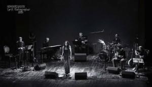 Sara Tramma dal vivo con la sua band