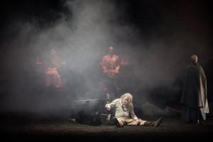 Enzo Turin nella scena dell'incendio