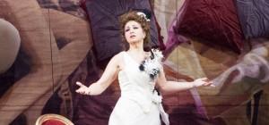 La-Traviata-10-foto-Simone-Donati-Terraproject-Contrasto-940x440