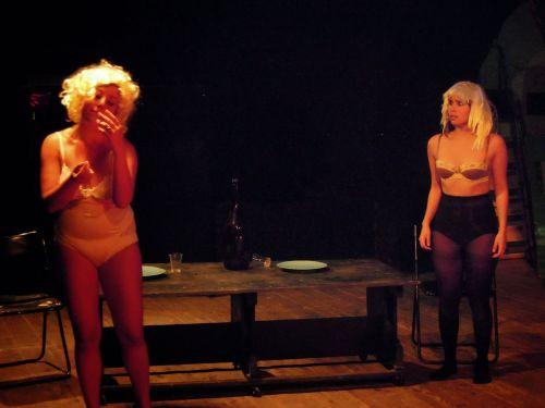 Una scena dello spettacolo Gourmandise ostentatoire