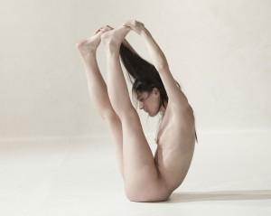 Yasmine-Hugonnet_-Le-récital-des-postures-