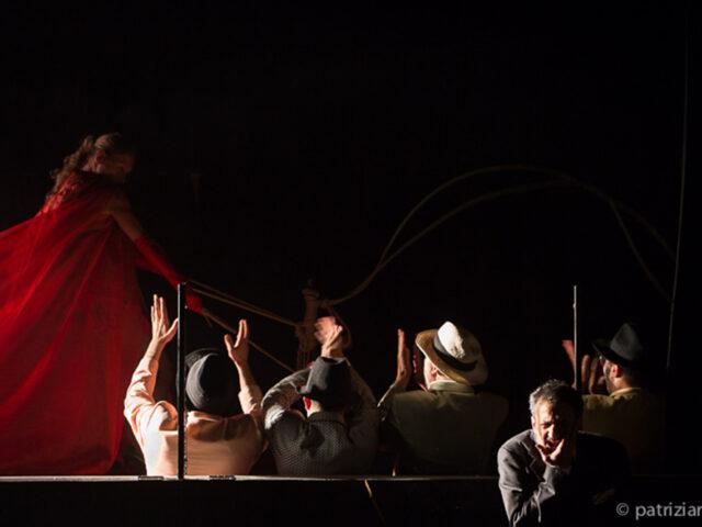 """""""L'abito nuovo"""": il testo di De Filippo e Pirandello al Teatro Curci di Barletta"""
