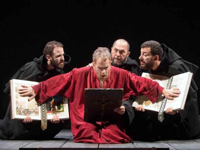 """""""Vita di Galilei"""", Gabriele Lavia firma uno spettacolo """"altro"""""""