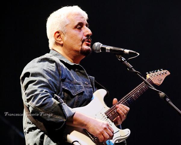 FOTO – Pino Daniele celebra la sua Napoli in una serie di concerti
