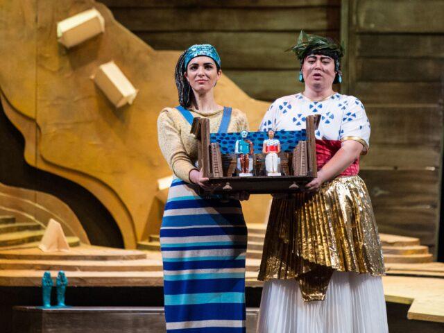L'Aida vista dai giovani al Politeama di Napoli<br>L'amore per l'opera lirica é coraggio