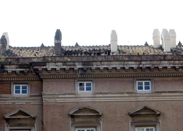 Reggia di Caserta, cede una parte del tetto