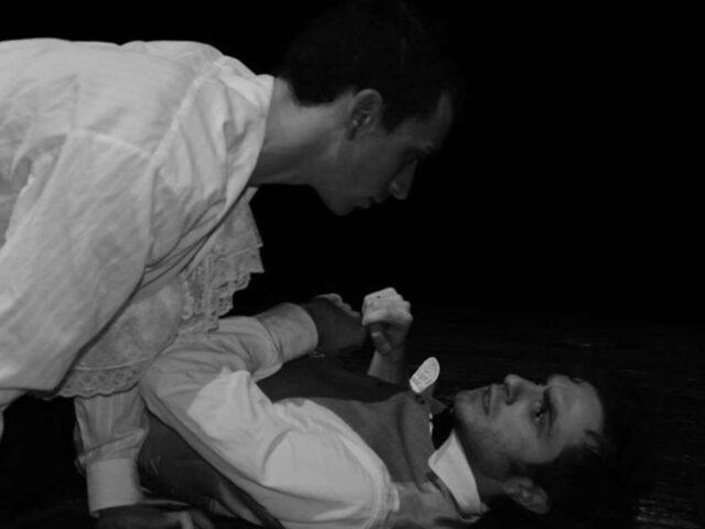 """""""Noi saremo"""", in scena l'amore folle e impetuoso di Verlaine e Rimbaud"""