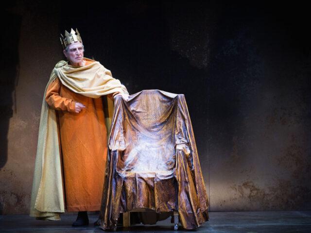 """""""Enrico IV"""" e la necessità del gioco del teatro"""