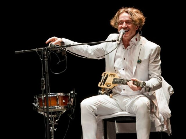 "Goran Bregovic in concerto a Firenze con ""Three Letters from Sarajevo"""