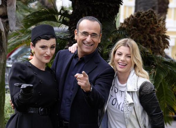 Sul palco di Sanremo, tra i fiori, Arisa ed Emma affiancheranno Conti nella conduzione