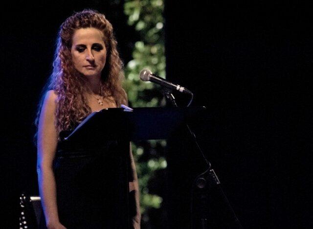 """""""Edith Piaf, tra storia e mito"""" di Monica Menchi celebra il centenario della nascita della voce più famosa di Francia"""