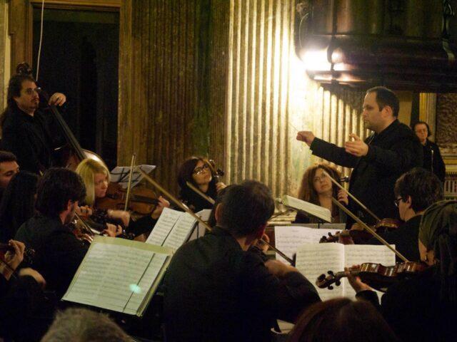 """""""Concerto di Natale"""" al Teatro Bolivar con L'Orchestra San Giovanni diretta dal Maestro Keith Goodman"""