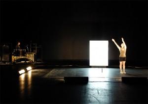 """""""Tre movimenti di luce: rumore / tremore / fulgore"""": l'umana """"Commedia"""" di Cauteruccio"""