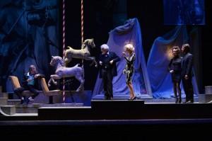 L'Enrico IV delicato e crudele di Branciaroli<br>incanta il Teatro Nuovo di Verona