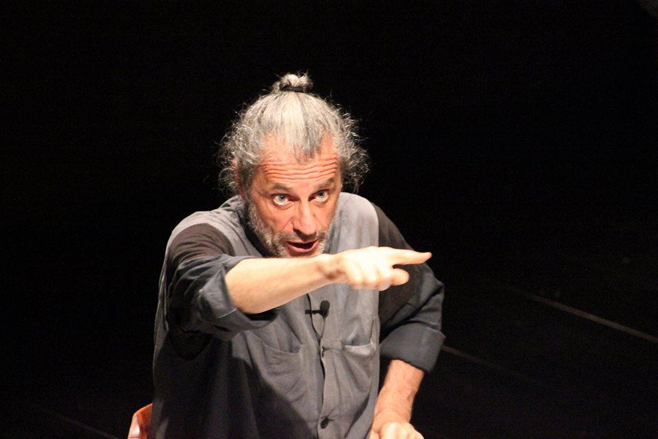 """""""Nessi"""" di e con Alessandro Bergonzoni al Teatro Puccini"""